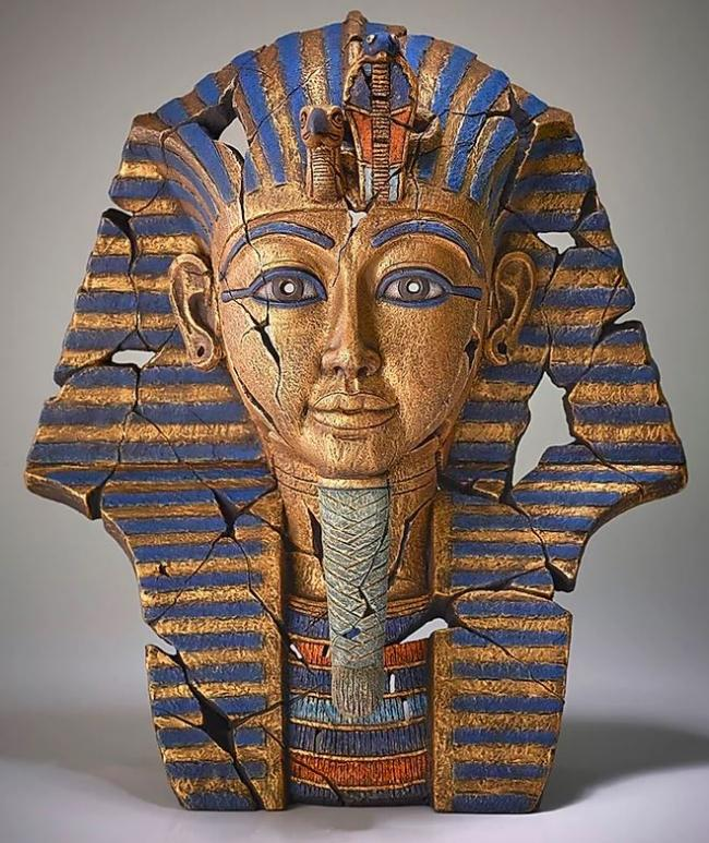 Tutankhamen by Edge Sculptures by Matt Buckley